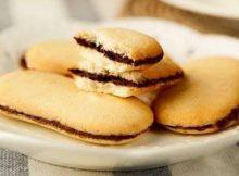 Biscotti di frolla farciti con Nutella